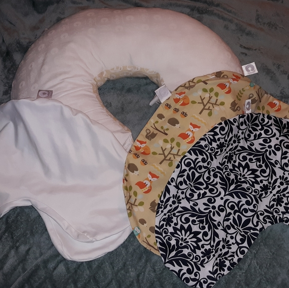 Boppy Pillow, 2 Covers, 1 Waterproof Cover